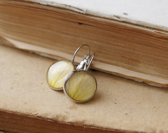 Rose Petals Earring  - romantic beige handmade jewelry - Rosa Rouletti