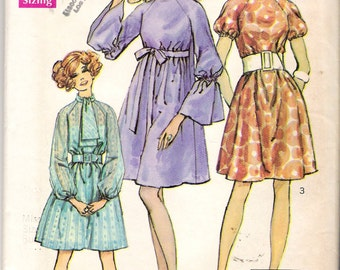 "Vintage 1969 Mod Simplicity 8182 Raglan Sleeve Roll Collar Dress Sewing Pattern Size 12 Bust 34"" UNCUT"