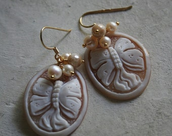 Sterling silver (vermeil) earrings with authentic shell cameos from Torre Del Greco-freshwater pearls and agate-bows