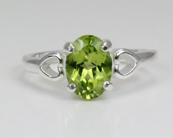 Sterling Silver Peridot Ring / Natural Peridot Silver Ring