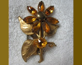 Vintage Gold Tone Daisy Flower Brooch/Pin with Yellow Stones