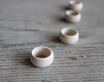 Wooden ring unfinished / set of 5/   size 7.5 for painting decoupage