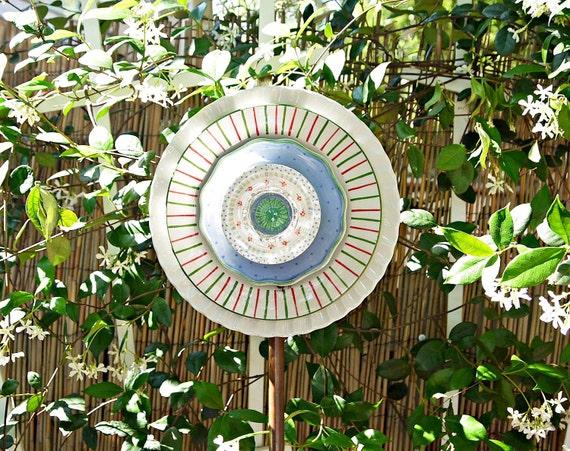 SPRING PASTELS Garden Yard Art, Gift, Garden Glass Flower, White Pink green blue,  Suncatcher, Garden Decor, Gift, Glass Plate Flower,