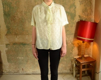 "70'S vintage White/Beige Shirt With ""Lavalière"" Collar - Pussybow Blouse"