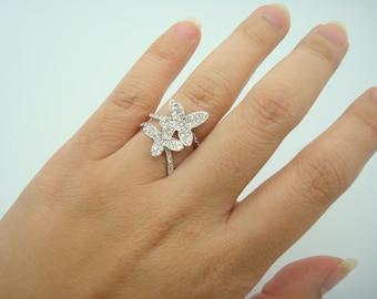 0.96CTW Butterfly Diamond Ring - 18K White Gold