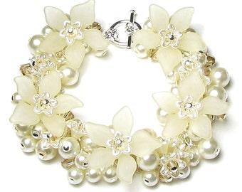 Ivory Pearl Cluster Swarovski Crystal Off White Flower Silver Charm Bracelet, Ivory Wedding Bracelet, Pearl Bracelet, Cream Bridal Jewelry,