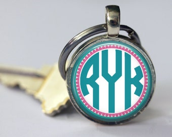 Personalized Mod Monogram Key Chain - Customized - Mother, Grandmother, Friend - 30mm Round