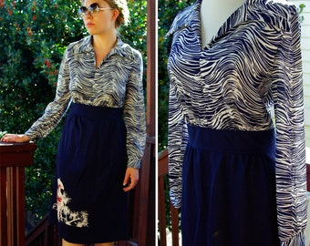 Making WAVES 1970's Vintage Navy Blue and White Striped Polyester Dress with Large Collar size Small Med