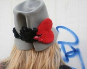 Women's Trilby Grey wool felt hat - Grey Fedora woman hat - Hat with big heart