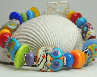 S A L E REALLY SOMETHING SPECIAL Handmade Lampwork Bead Bracelet
