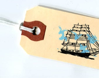 Handmade gift tag ship with birds