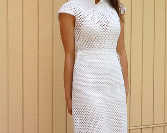 Vintage 40s  crochet dress// Heavy crochet work// white// beach wedding **Price REDUCED**