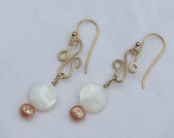 gold tone wire wrap earrings with mother of pearl and peach pearls
