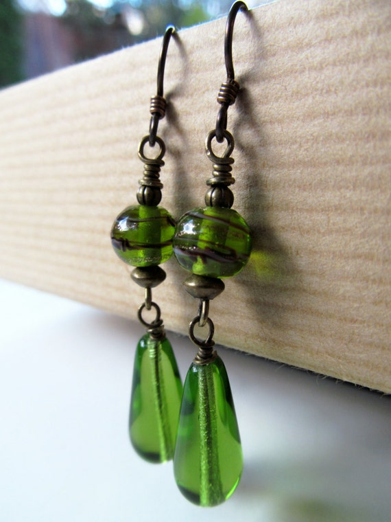 https://www.etsy.com/listing/178552723/green-teardrop-glass-beaded-niobium