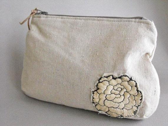 Small cotton purse Boho clutch purse Small Makeup Mag Eco friendly Zippered Bag Vintage Fabric Detail