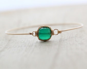 Emerald Green Bracelet, Onyx Gemstone Thin Cuff in Gold, Silver or Rose Gold, Stackable , Bezel Wrapped Fashion