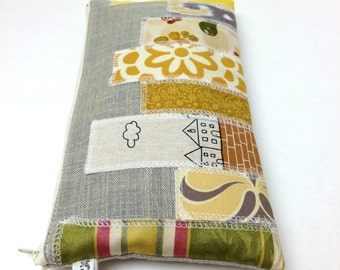 Clutch Purse - Skyscrapers in Yellow and Cream on Taupe Gray Linen