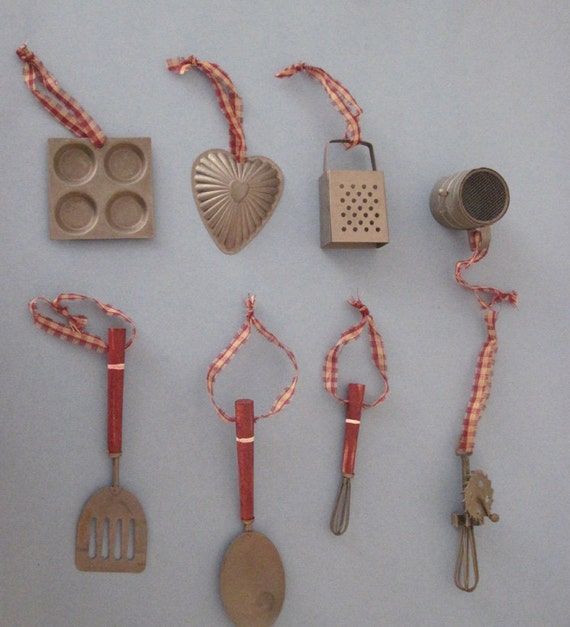 Miniature Kitchen Utensils Folksy Holiday Wreath Swag