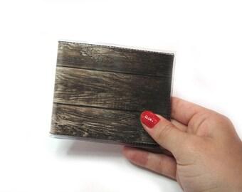 Mens woodgrain bifold vinyl wallet