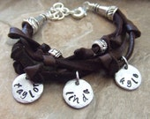 Personalized Mom Bracelet, Mommy Bracelet, Mothers Bracelet, Mom Charm Bracelet, Childrens Name Bracelet, Mom Jewelry, Gift for Mom, Grandma