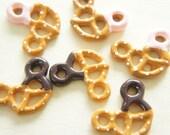 6 pcs Pretzel Cookie Cabochon (21mm29mm) CD461