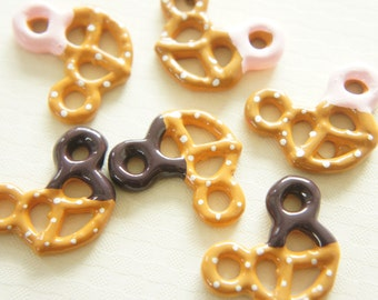 6 pcs Pretzel Cookie Cabochon (21mm29mm) CD461