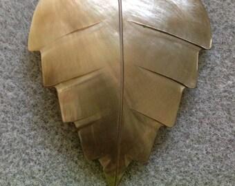 Leaf shaped shell pendant