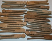 19 Vintage Primitive Patina Natural wood Clothespins
