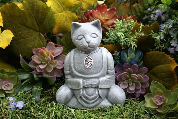 meditation cat buddha zen cat ohm cat concrete garden. Black Bedroom Furniture Sets. Home Design Ideas