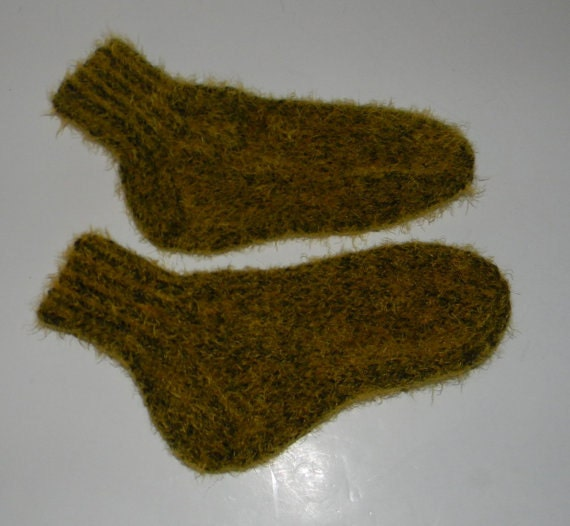 Knitting Socks On Circular Needles Pattern : Items similar to KNITTING PATTERN - socks on 2 needles on Etsy