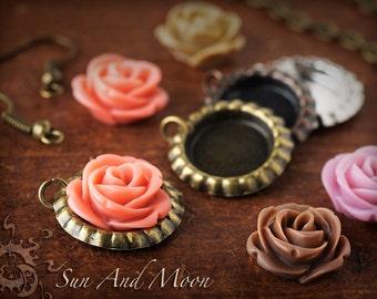 NEW ~ 5 Pair DiY Wedding Bouquet Charm Kit or Earrings Kit ~ Mini Flattened Bottle Caps With Rose Flower Cabochons ~ 12mm Bank Bezel