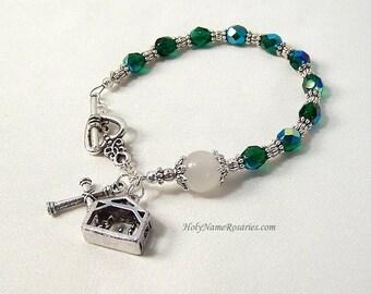 Holy Family Rosary Bracelet Chaplet Single Decade Green Manger Nativity St Therese Miraculous Medal Single DecadePrayer Beads