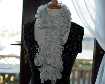 Handknitted Ruffles Scarf in White