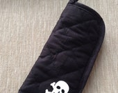 Skull and black quilted flat iron holder case