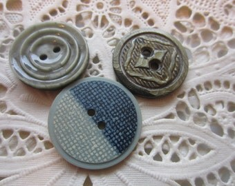 Vintage Button - 3 Collector wafer style carved celluloid 2 sizes (lot9927)