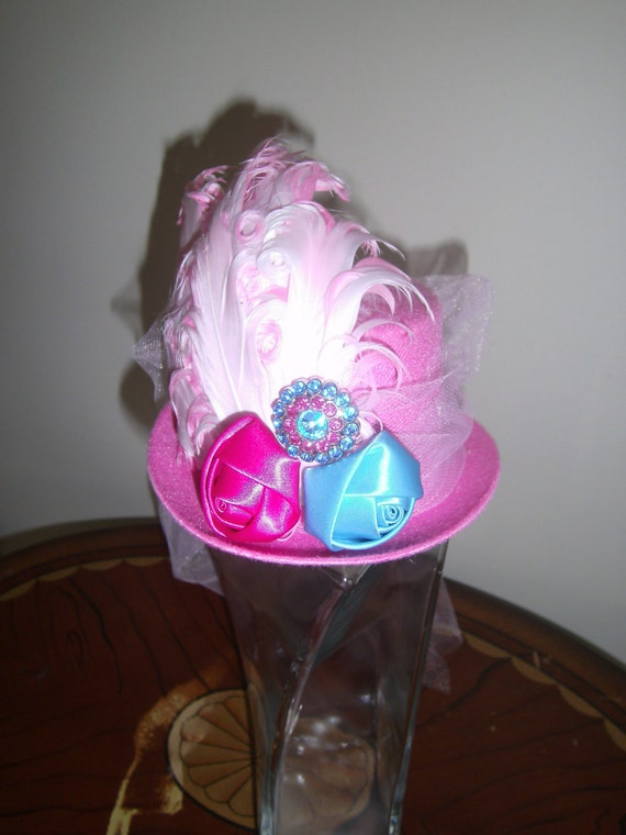 Min Top Hat, Fascinator, Handmade, Birthday Party Hat, Halloween , Alice in Wonderland Tea Party, Photo Prop, Costumes Wedding Headpiece,