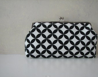 Handmade Black and White Kiss Clasp Clutch