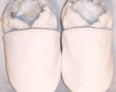 Moxies soft soled leather baby shoes all white pick size