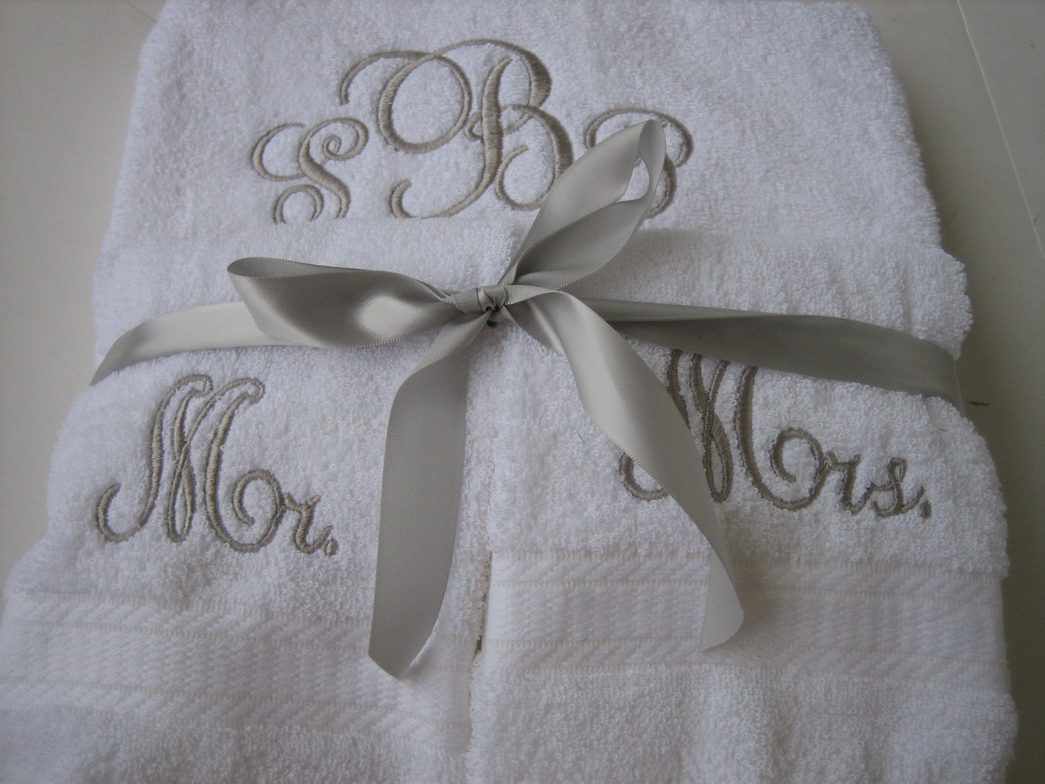 Mr mrs monogram towel set personalized wedding towel set for Mr and mrs spa