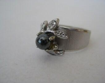 Hematite Ring Silver Rhinestone Vintage Size 9 1/4