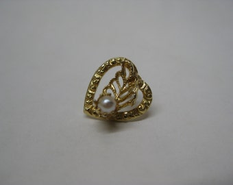 Heart Pearl Gold Pin Brooch Tie Tack Vintage