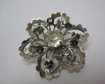Shabby Flower Silver Rhinestone Brooch Gray Vintage Pin