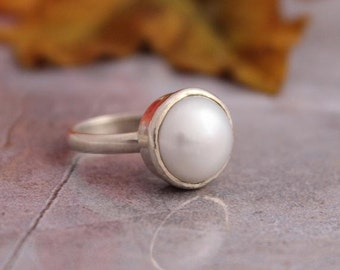 Silver pearl ring - Birthstone ring - Custom ring - Bezel set ring - Sterling silver ring - One of a kind - Gift for her