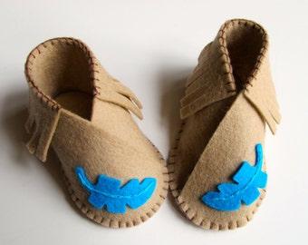 Baby Shoe KIT, Wool Felt Moccasins, DIY Sewing Kit, Kimono Shoes, Needlework Project, Wool Felt Slippers, Newborn Gift,  Feather Slippers