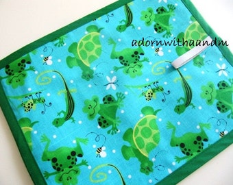 Chalkimamy Turtles, lizards, grasshoppers and frogs TRAVEL chalkboard mat/ placemats (a)