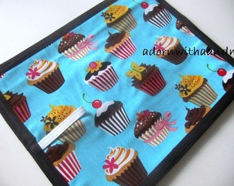 Chalkimamy Turquoise cupcake TRAVEL chalkboard mat/placemat (a)