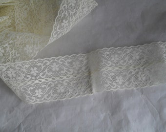 Lace pale Yellow New NOS