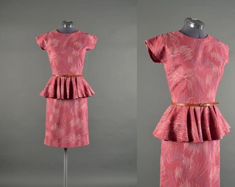 Vintage 1950s Dress / pepulm dress / 50s Dress / cotton wiggle dress