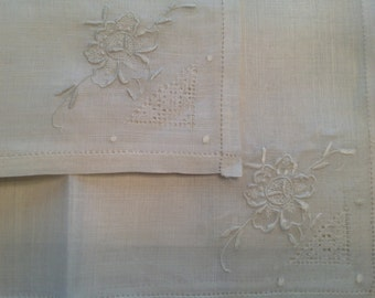ON HOLD Vintage Tea Party White Linen Tablecloth And Napkin Set