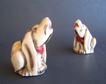 Vintage Painted Chalkware Blood Hound Dog Salt and Pepper Shakers 1940's near mint Howling Blood Hound